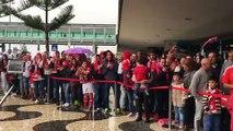 A INCRÍVEL recepção dos adeptos ao Benfica na Madeira!