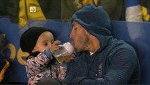 Boca Juniors - Huracán:  el hijo de Carlos Tevez comparte la mamadera con su padre (08.05.2016) HD