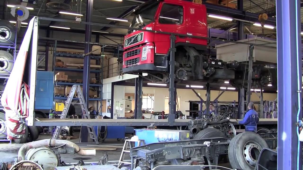 3 Trucks in 1 Trailer @ BAS Trucks