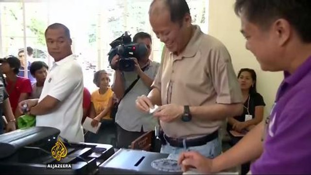 Philippines election: Frontrunner vows to kill criminals