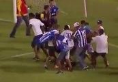 Scène terrible de violence après un match de foot au Brésil !