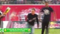 Zap Foot du 10 mai: le coup franc de Messi vu des tribunes, il se blesse en voulant éviter une douche à la bière, une chute très étrange etc.