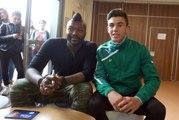 VIDEO. Djibril Cissé accueilli en star au lycée de la Venise-Verte de Niort