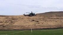 Un hélicoptère vole trop près de toilettes mobiles et c'est le drame