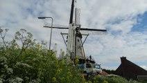 Wethouder Dijkman geeft sein insteken potroede molen De Arend / Zuidland 2016