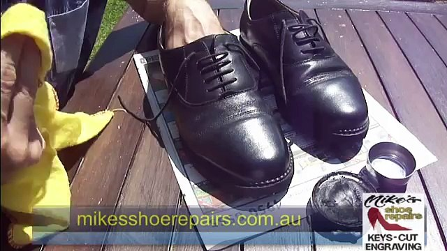 Spit polish demonstration - Mikes Shoe Repairs