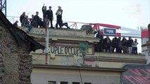 Loi travail: grande échelle et nacelle volante pour déloger des opposants à Rennes