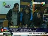Bolivia: gob. firma acuerdo con personas con discapacidad
