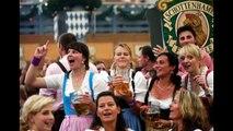 Münchner Oktoberfest 29 09 2015 Dirndl und Trachten & Maßkrüge