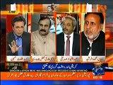 Nawaz Sharif ne bare long march kiye aur ab wohi Iftikhar Chaudhry Mian sahab se isteefa maang rahe hain - Talat Hussain makes fun of PML-N