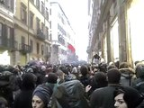 Roma, 30/11/10 - Corteo studenti caricato dalla polizia in via del Corso c/o Montecitorio PARTE 2