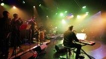 """Après 10 ans d'existence, le groupe """"Royal Gala"""" revient avec ses chansons à croquer à pleines dents aiguisées. Nouveaux arrangements groovy, textes léchés décalés, à vous d'y goûter d'un clic. www.royalgala.fr"""