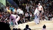 Yokozuna Hakuho (12-0) - Ozeki Kakuryu (10-2) , Sumo : Natsubasho 2013
