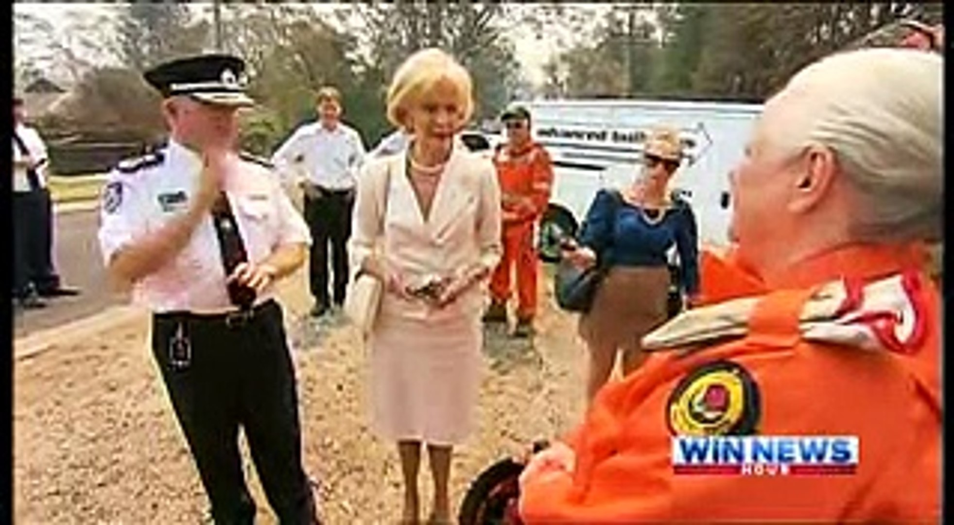 WIN 9 News 25 10 2013 Blue Mountains Bushfire Emergency from 17 10 2013 to 29 10 2013