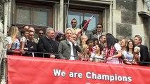 Le joueur de foot Ribéry chante Les Champs-Élysées de Joe Dassin