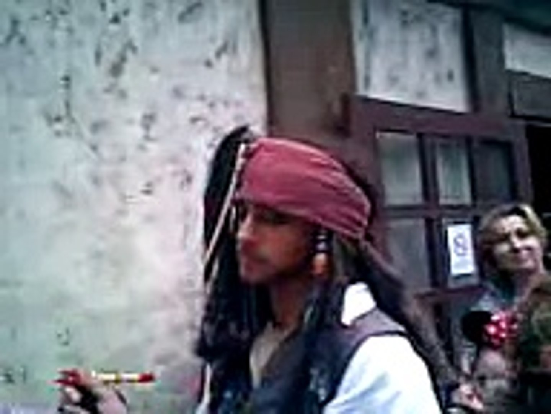 Il capitano Jack Sparrow a Disneyland (Parigi, 24/10/2008)