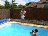 Zoé et Lucas à la piscine (30 juin 2007)