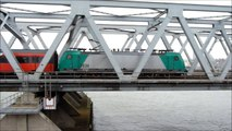 2834, NMBS class HLE 28 with IC Brussel on bridge between Dordrecht and Zwijndrecht, 6 november 2011