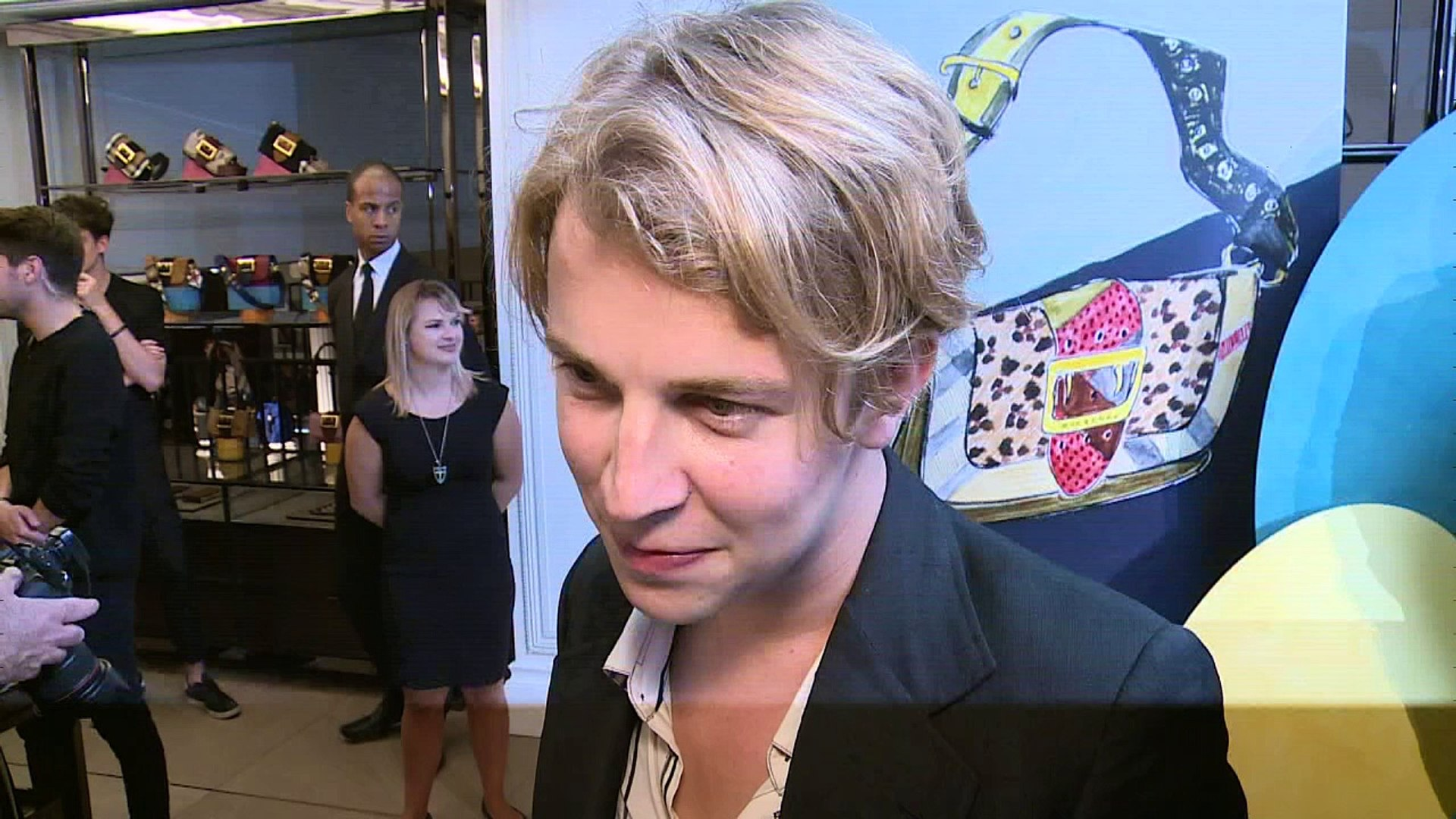 Tom Odell claims his haircut isn't inspired by Harry Styles! - video dailymotion