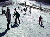 Riccardo sulla neve 1° lezione con il maestro di sci