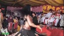 Beautiful Dancer Girl Live Wedding-Shadi Dance-Mujra 2016 new mujra-private mujra-sexy pakistani mujra dance
