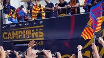 Pique entre Neymar y Rafinha en la rúa de campeones FC Barcelona 2016