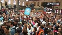 OM-PSG : les supporters marseillais enflamment la gare Saint-Charles