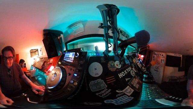 MikiLondon HoxtonFM VR 360 video