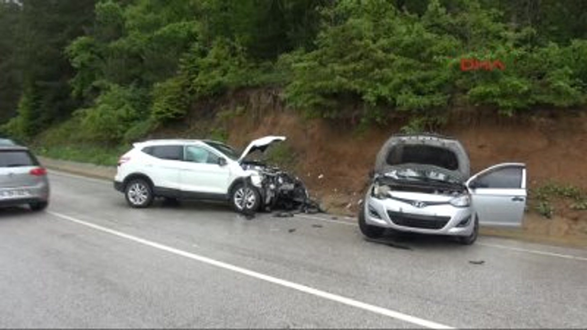 Bolu Cip ile Otomobil Çarpıştı 4 Yaralıcip ile Otomobil Çarpıştı: 4 Yaralı