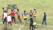Drama na Liga Regional: Jogador morre em campo após levar joelhada na cabeça