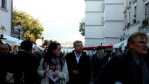 Paris - Walking on Place du Tertre - Montmartre 2015 10 09 16 29 03