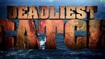 Wave Bends the Northwestern | Deadliest Catch