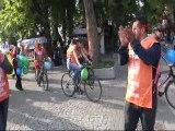 Hava kirliliğine dikkat çekmek için bisikletli eylem