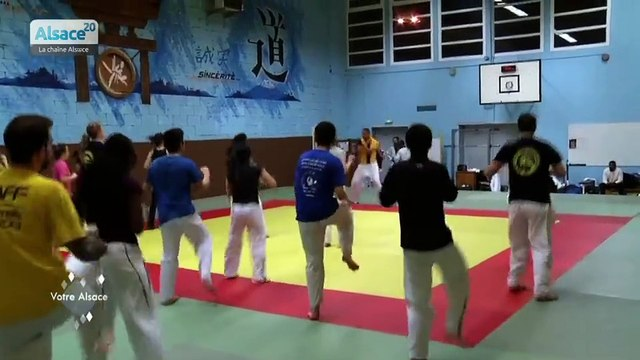 Taekwondo avec Delphine Wespiser, Miss France 2012