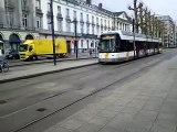 Tramlijn 21/22 naar Gent-Kouter en tramlijn 4 naar Gentbrugge-Moscou in Gent-Zuid.