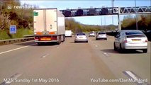 Lorry 'sideswipes' Mercedes in dramatic dashcam video