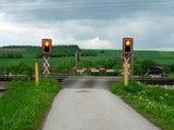 2005 05 19 - Bahnübergang Durchfahrt ÖBB (1016 mit Pflatsch)