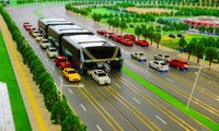 China's Amazing Technology : A Bus that Drives Over Cars on Road