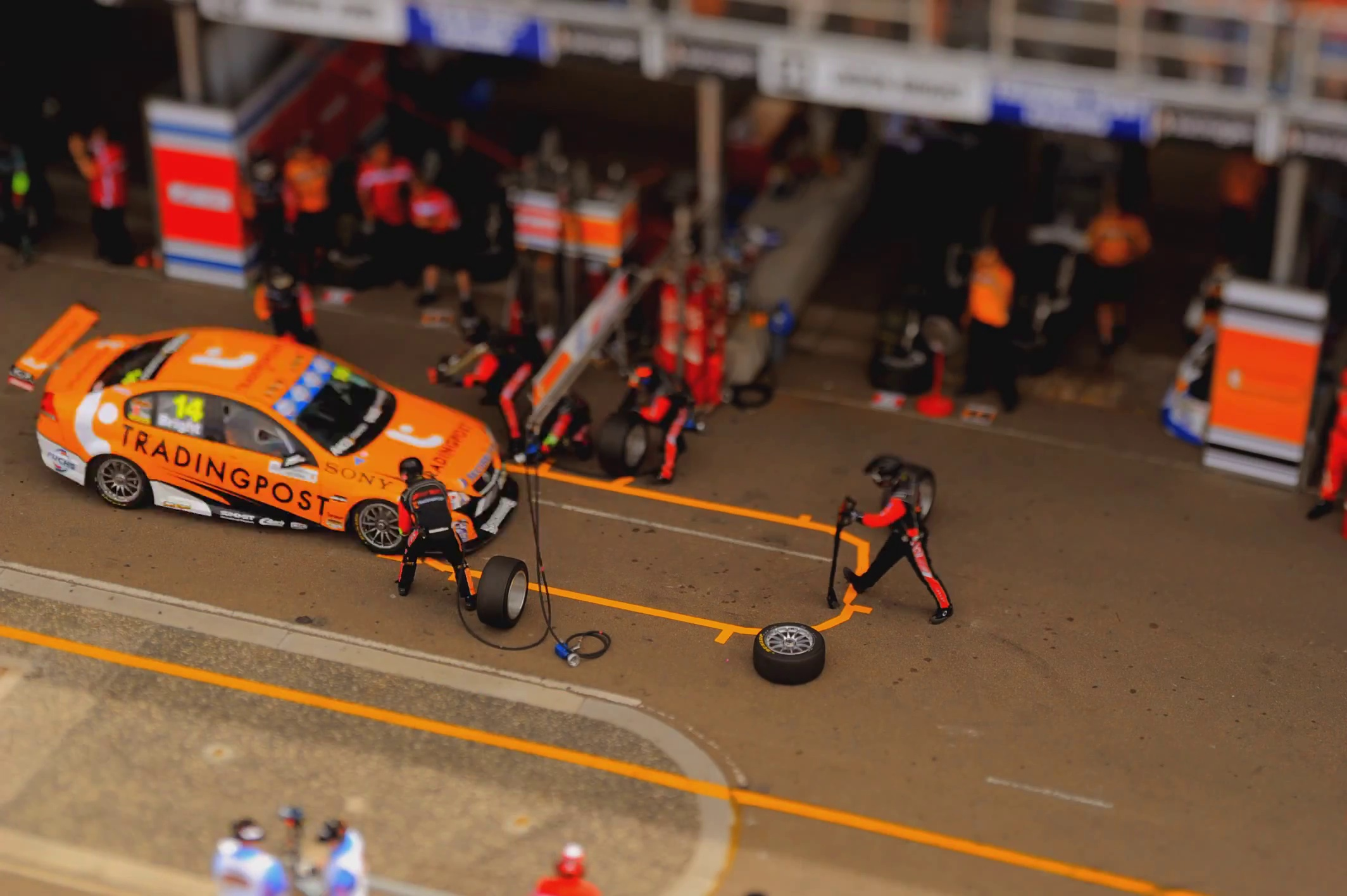 Course de voitures à Sydney filmée comme des jouets miniatures !