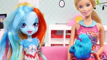 Barbie y Rainbow Dash MLP Preparan Ricos Bagels de Arcoiris ❤ Videos Barbie Divertidos por DCTC