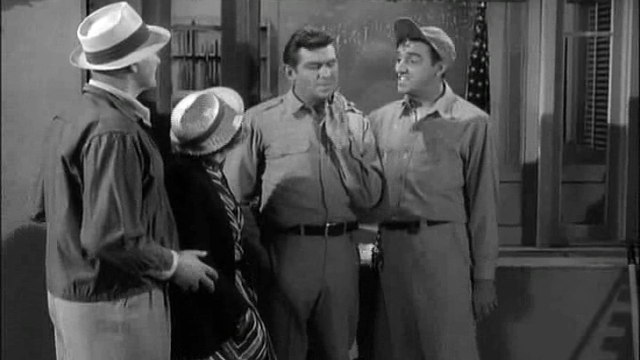 The Andy Griffith Show S04e23 @ Andy Saves Gomer