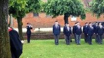 Inauguration d'une stèle en hommage aux soldats canadiens à Courcelette