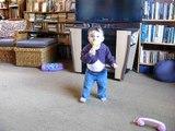 2010 10 25 Alana really walking! MVI 3904