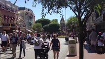 20 seconds on Disneyland's Main Street U.S.A.
