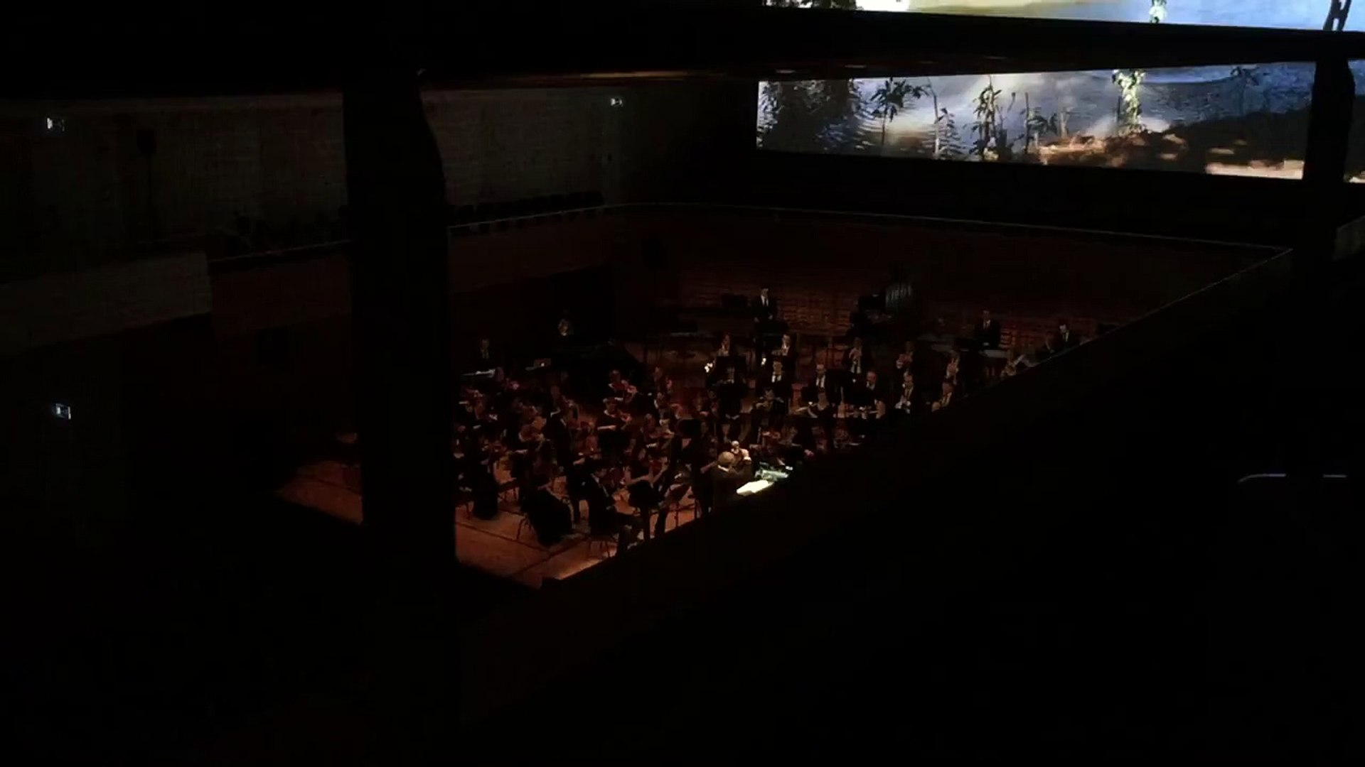Indiana Jones - Live - The Raiders March - John Williams - 21st Century Symphony Orchestra
