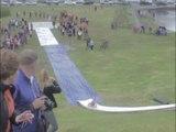 Un Slip n'Slide vertigineux en Islande ! Toboggan de fou