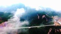 Le plus long et haut pont en verre du monde