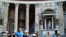 2010-08-23 11h15 - L'intérieur du Panthéon de Rome en Italie.