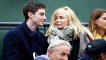 Emmanuelle Béart : moquée à Roland-Garros, elle répond sur Twitter