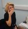 Cette femme sourde pleure lorsqu'elle entend pour la première fois